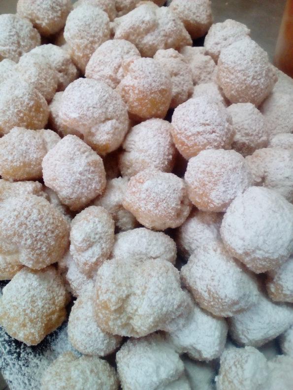 carnival sweet dough balls