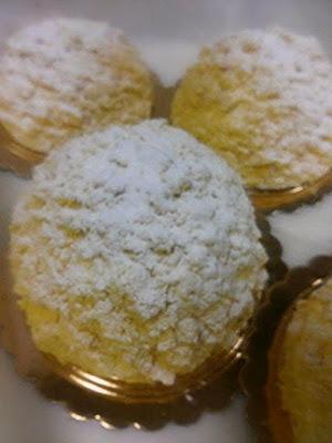 Mimosette con pan di spagna